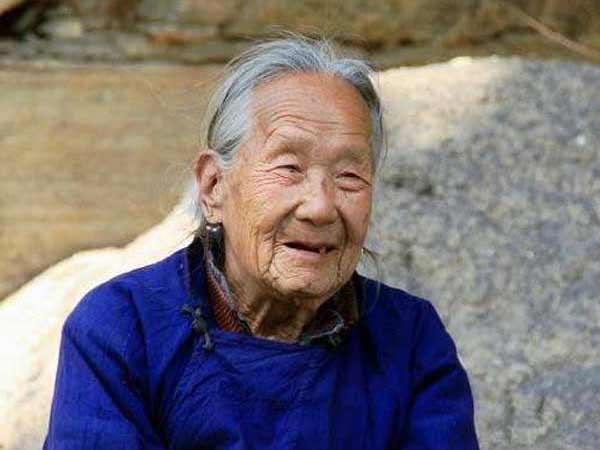 Chiêm bao thấy bà ngoại nên đánh số đề con bao nhiêu?