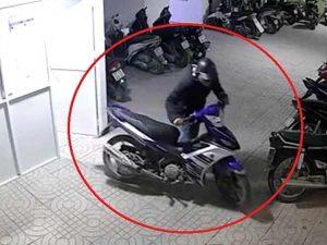 Chiêm bao thấy ăn trộm xe máy nên đánh số đề con bao nhiêu?