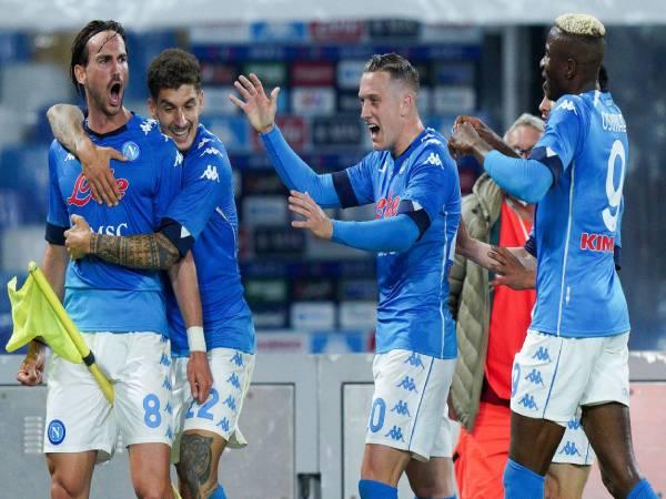 Tin bóng đá tối 12/5: Thắng tưng bừng, Napoli lên ngôi nhì bảng