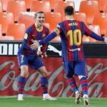 Tin bóng đá tối 4/5: Messi mời cả đội về nhà riêng họp mặt